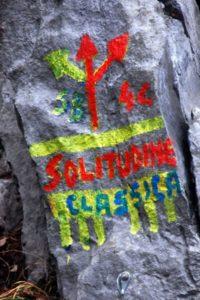 Le scritte in vernice alla Rocca (da gognablog)